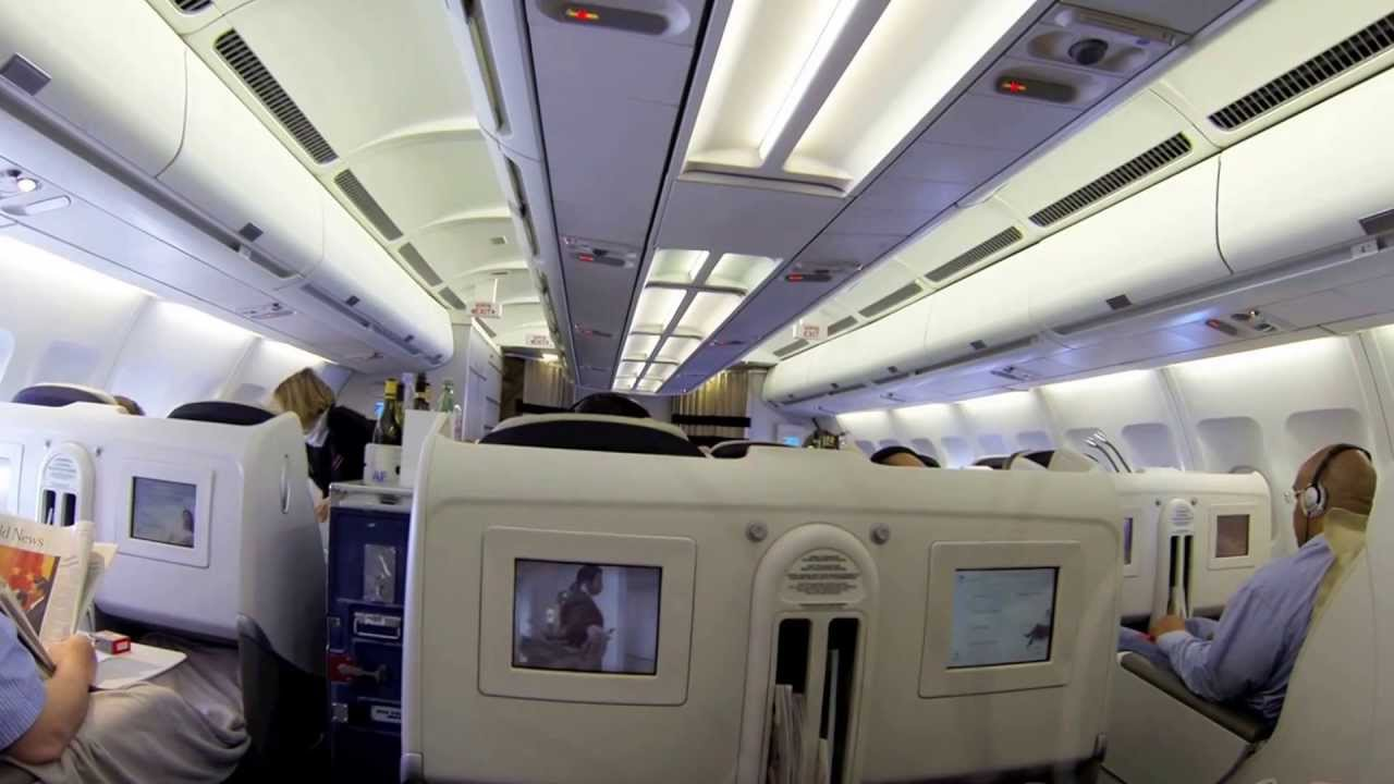 Air france a340 business class youtube for Interieur d avion air france