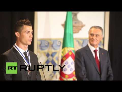 Portugal: Cristiano Ronaldo granted national honours by President Anibal Cavaco Silva