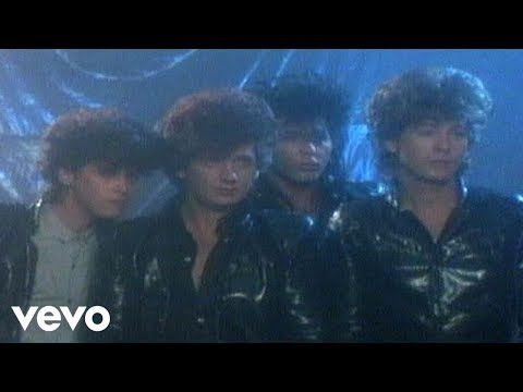 The Romantics - Talking in Your Sleep (Video)