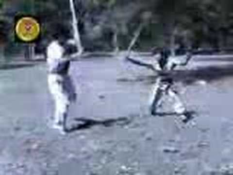 Long stick weapon fighting  - Binh Dinh Sa Long Cuong