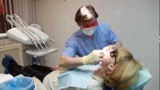 видео Зубные протезы — что из чего и для чего