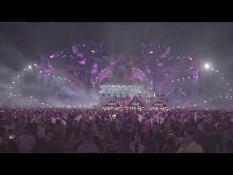 Dimitri Vegas & Like Mike playing Clanker Jones Feat. Verona Adams - Constantine at Untold 2018