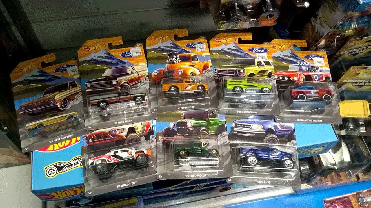 New HOT WHEELS Ford Trucks Series Bronco Ranchero F150 4x4 Set of 8 Lot 2018