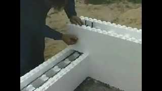 Армирование пенополистирольных блоков Теплый дом(Строительство по технологии Теплый дом. На видео показаны этапы строительства дома по технологии