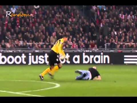 Goalkeeper kicks fan keeper esteban ajax az football fight 2011