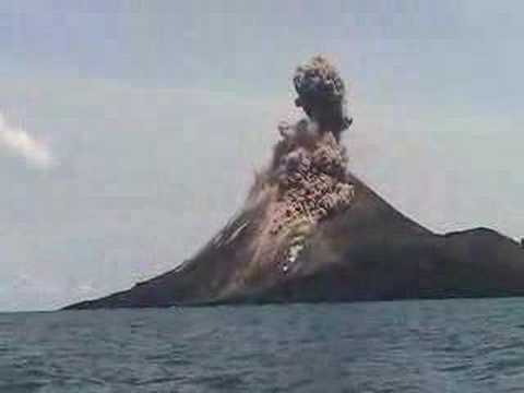 Krakatau Erupts up Close!!!!