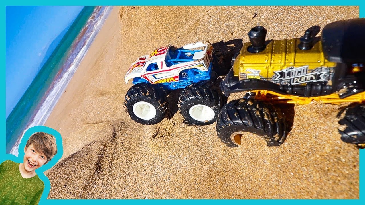 Axel Show Monster Truck Stuck At The Beach Youtube