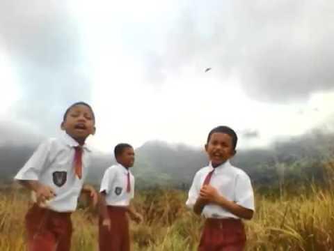 Trio Lagu Batak Anak SD (hebat)