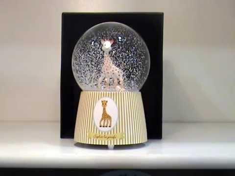 boule neige musicale sophie la girafe trousselier youtube. Black Bedroom Furniture Sets. Home Design Ideas
