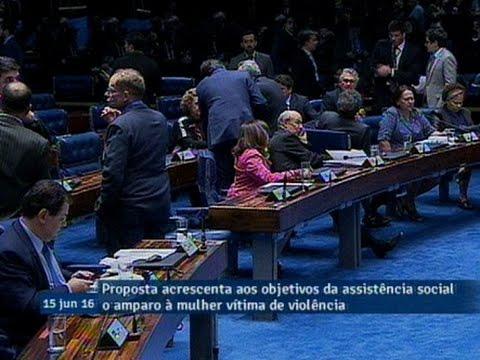 Aprovada em segundo turno PEC que assegura à mulher vítima de violência a assistência do Estado