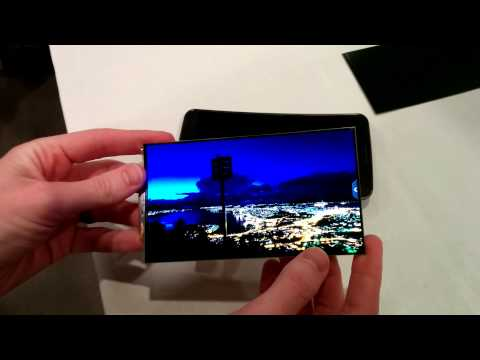 A look at LG G Flex's Flexible OLED display