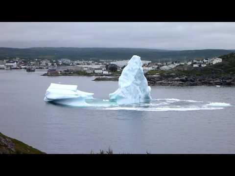 Iceberg collapsing - Glacier seffritant