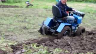 Самодельный трактор, сеем-пашем