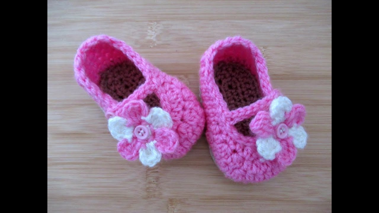 5c175374a61d Crochet baby shoes booties slippers 3.5