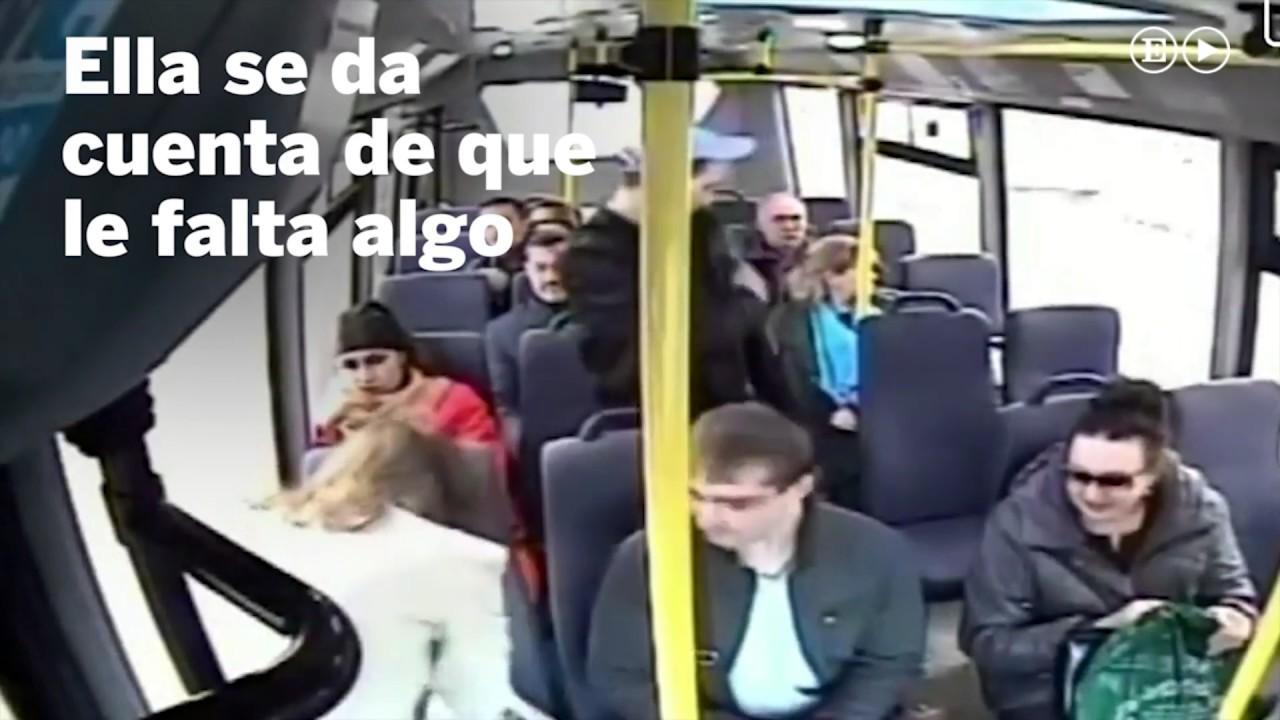 มิจฉาชีพ บนรถโดยสาร El truco del carterista iba a ser secreto y se ha convertido en viral
