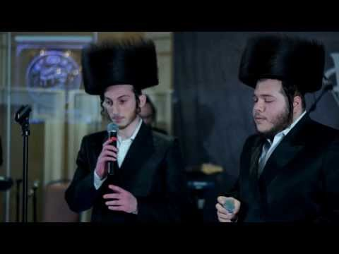 A Yidishe Mame - Duet by the stars of Shira Choir with Freilach Band - היידישע מאמע