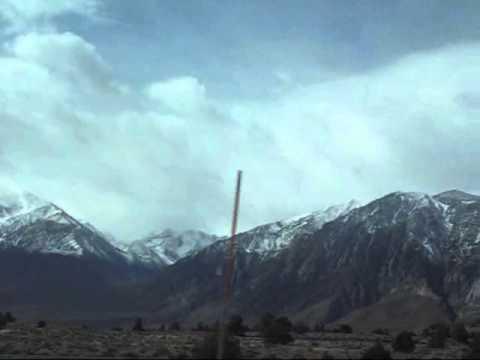 Sierra Nevada, California: Driving through US 395