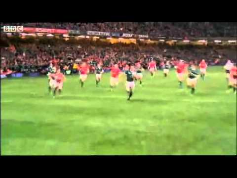 Bowe Gathers.  Tommy Bowe's Grand Slam winning try for Ireland, with Jim Neilly on commentary