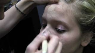 Planet Verge TV: 15 Minute Makeup (Beauty 101 series)
