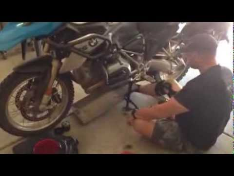 BDCW skid plate oil change demo (special thanks to Jason Houle!)