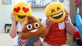 REAL LIFE EMOJI FAMILY!(Little Talks Cover! → http://youtu.be/i-vm80klWT4 26 Week Bumpdate → http://youtu.be/tgmBX_vye9E ↓↓↓ Lots more down here! ↓↓↓ 1 Year Ago ..., 2015-07-18T16:00:00.000Z)