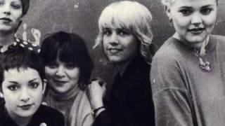 Go-Go's - Living At The Canterbury/Party Pose (Rehearsal 1979) *Punk Rock Audio*