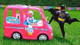 Nikita y su auto rosa - Aventuras infantiles
