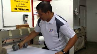 Signs: How to cut corrugated plastic with a guillotine cutter