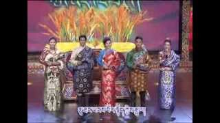 Amdo Tibetan dialect w/ Tibetan Subtitles | Qinghai TV Station Losar Show [Part 1/4]