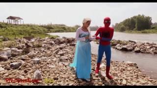 """Человек-паук против Джокера, битва супергероев, Эльза """"Холодное сердце"""" и волки"""