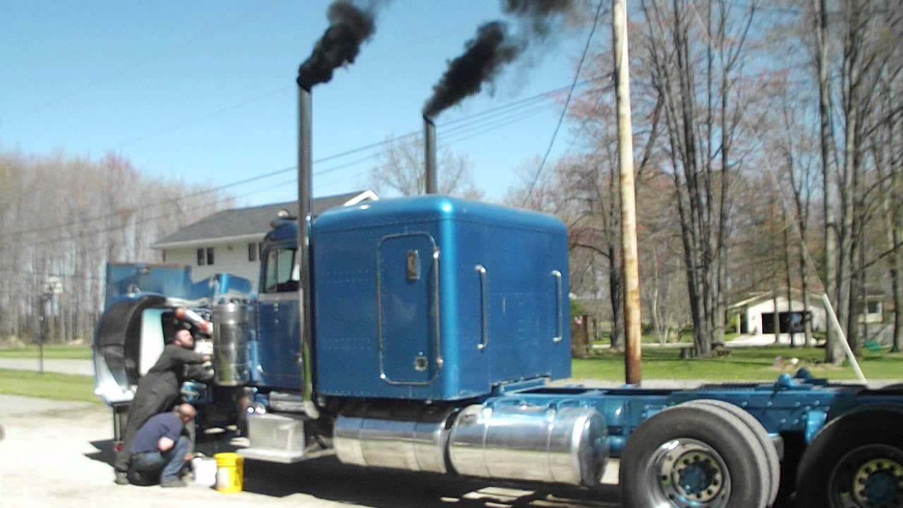 Peterbilt 359 smokin - YouTube