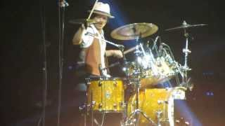 Bruno Mars - Locked Out of Heaven [Live in Madrid 2013]