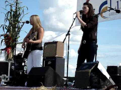 Ashlee Hewitt - Mikes Hard Lemonade