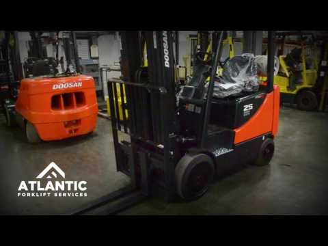 How to Properly Check Forklift Fluid