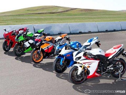 2009 Superbike Smackdown Track - MotoUSA - YouTube