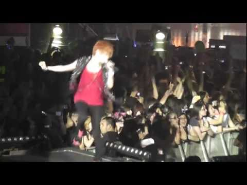 [11062011] SM TOWN LIVE in Paris - 샤이니 (SHINee) - Are You Ready Or Not (Taemin Focus)