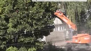 В Новозыбкове демонтируют бывшую химчистку