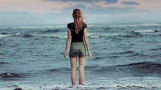 なぜ太陽は輝き続けるの なぜ波は浜辺に打ち寄せるの 知らないのかしら ...