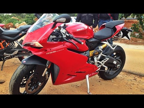 Ducati 959 Panigale Stock Exhaust Sound, Walk-Around & Flyby | Bangalore
