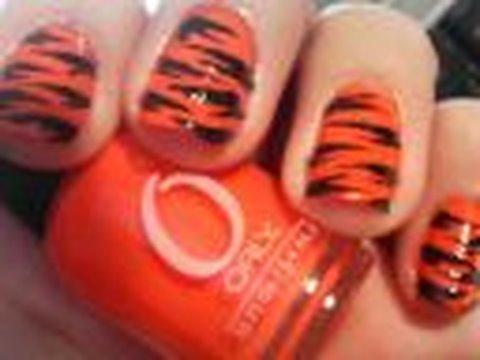 Howto: Tiger Stripes nail design. nail tutorial thumbnail