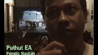 Video Orang-Orang Yang Bergegas: Pementasan Teater di Enam Kota. Maret-April 2004   Video Dokumentasi download MP3, 3GP, MP4, WEBM, AVI, FLV Oktober 2018