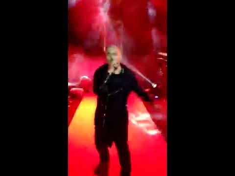 Selfie Le Le Re, Vishal Dadlani Live at Times Fresh Face, Bandra Fort, 9 March, 2017