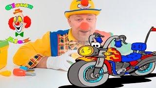 Alex giocattoli costruisce la moto , divertenti video per bambini piccoli maschi