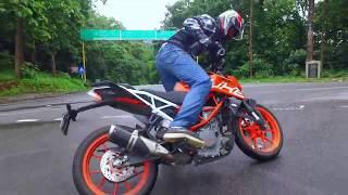 KTM DUKE 390 Stunt riding