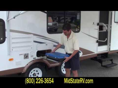 Coachmen Freedom Express >> 2010 Coachmen Freedom Express 290BHS travel trailer - YouTube