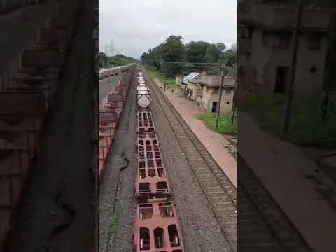 भारत से ऑक्सीजन लेकर बांग्लादेश पहुंची विशेष रेलगाड़ी