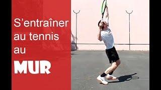 Jouer au tennis au mur, conseils et exemples d