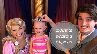 Malia wore Rapunzel's crown! | Disneyland vlog #20