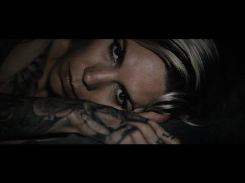 Смотреть клип Skylar Grey - Angel With Tattoos