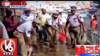 Traffic Police Swachh Bharat at Secunderabad Railway Station Permises   Weekend Teenmaar News